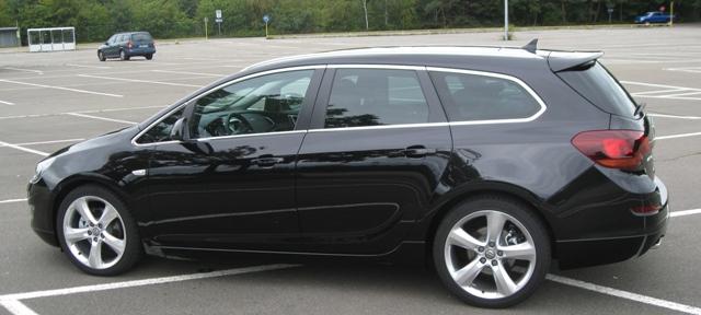 Ogromny Listwy przyokienne Opel Astra IV J Kombi / Sport Tourer dookoła ES55